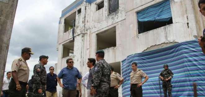 Autoridades analizaron la situación de San Lorenzo y Eloy Alfaro tras estado de excepción. Foto: Tw. MinInteriorEc.