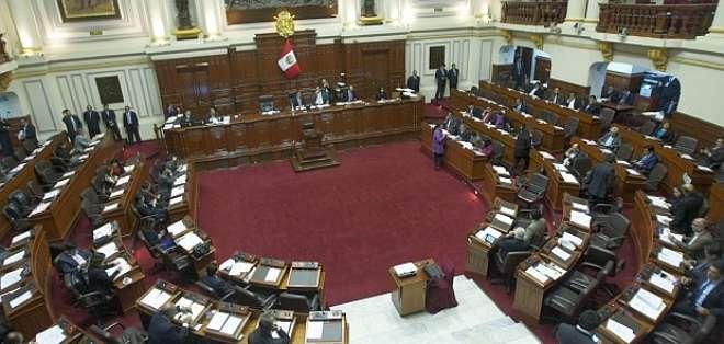 """Legisladores argumentan """"incapacidad moral"""" de Kuczynski por caso Odebrecht. Foto: Archivo elcomercio.pe"""