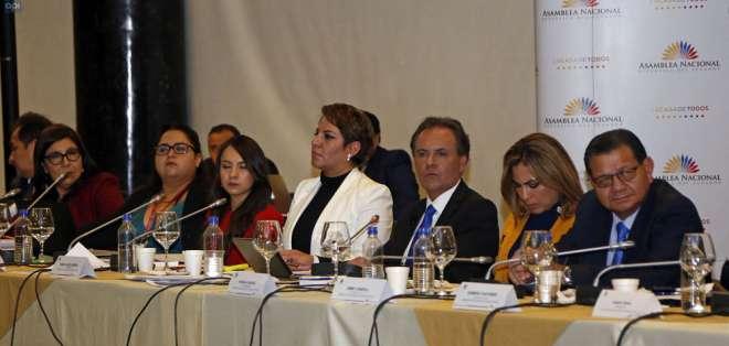 Defienden posibilidad pese a que Ochoa ya fue destituido de Superintendencia de Comunicación. Foto: Archivo API