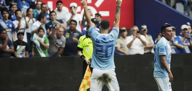 Francisco Silva convirtió el primer gol de los 'azules' antes los 'morlacos'. Foto: AFP