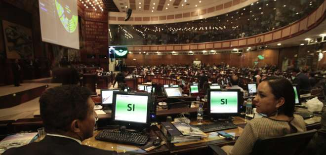 El candidato elegido deberá completar el período que, originalmente, iba cumplir Serrano. Foto: Asamblea