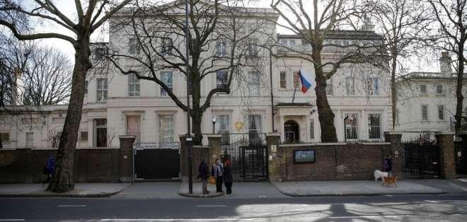 Reino Unido expulsará a 23  diplomáticos rusos.