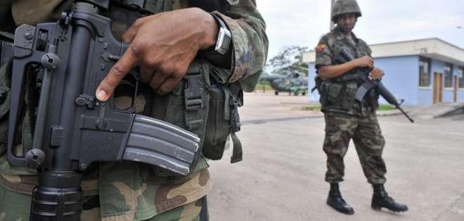 Tres militares resultaron heridos en nuevo enfrentamiento en la frontera norte. Foto: Archivo - Referencial - AFP