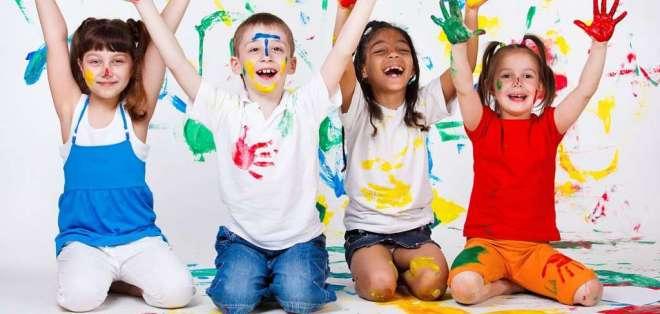 Un punto fundamental a la hora de escoger la actividad es la edad que tiene el niño. Foto referencial / elbloginfantil.com