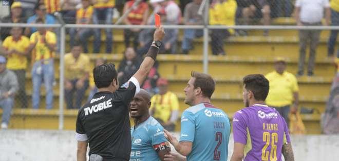 La Liga Profesional regiri+ia desde el próximo año en el fútbol nacional. Foto API
