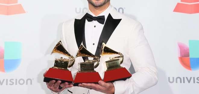 El reconocido cantante latino festeja en medio de una carrera en la cima del éxito. Foto: Archivo AFP