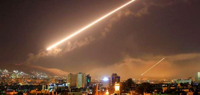 Naciones ejecutarían nuevos bombardeos si Damasco insiste en las armas químicas. Foto: AP