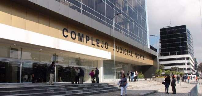 También se llamó a juicio a otros tres exfuncionarios del Instituto Ecuatoriano de Seguridad Social. Foto: Twitter Fiscalía