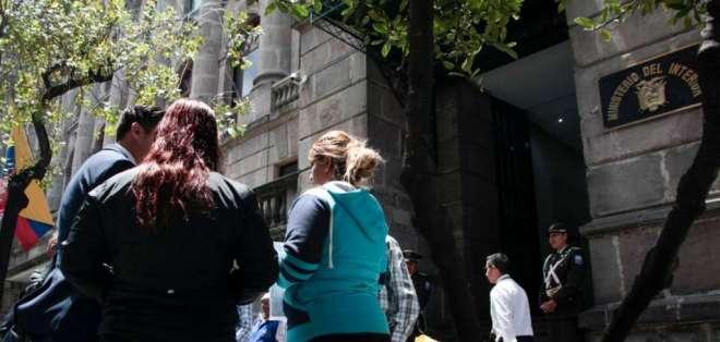 La familia de la pareja se reunió con las autoridades en Quito. Foto: API