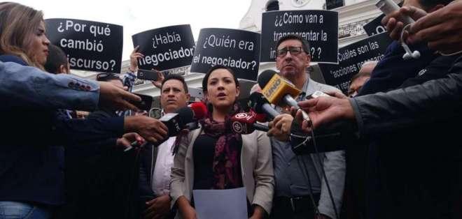 Familiares de víctimas en frontera norte exigen respuestas al Gobierno de Moreno. Foto: API