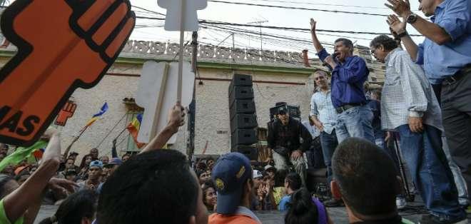 El poder electoral prevé multas y arresto para quienes difundan la abstención. - Foto: AFP