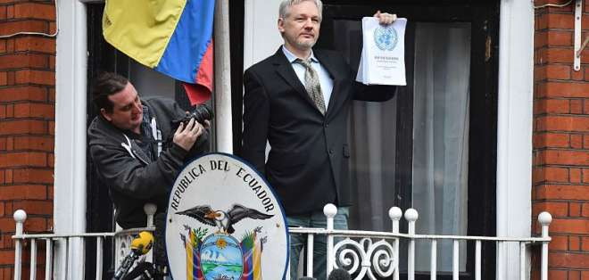 Ecuador financió operación que incluyó monitorear a visitantes de embajada, según prensa. Foto: AFP.