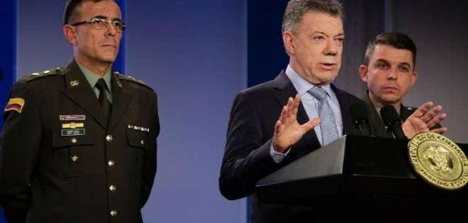 BOGOTÁ, Colombia.- Presidente Santos durante rueda de prensa en el Palacio de Nariño. Foto: AFP.