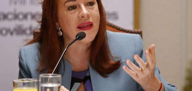 ECUADOR.- María Fernanda Espinosa es criticada por sus continuas ausencias sobre temas coyunturales. Foto: API