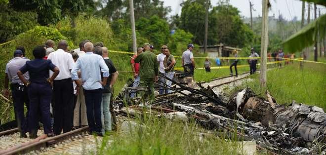 La aeronave de Cubana de Aviación, con 104 pasajeros a bordo, tenía cinco tripulantes mexicanos. Foto: AP