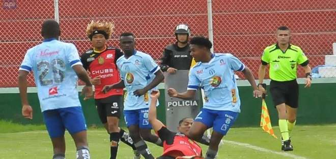 Los 'celestes' igualaron 1-1 con los 'morlacos' en el estadio Bellavista de Ambato. Foto: API