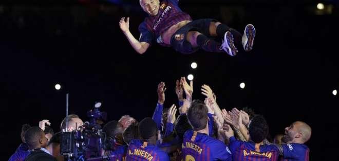 El mediocampista español jugará la próxima temporada en el fútbol asiático. Foto: LLUIS GENE / AFP