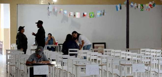 Según la oposición, solo un 12 % de los ciudadanos votó hasta el mediodía. Foto: AFP