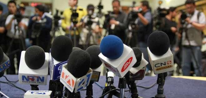 Un abogado y un académico no están de acuerdo en que Defensoría asuma algunas funciones de Supercom. Foto: Archivo Andes