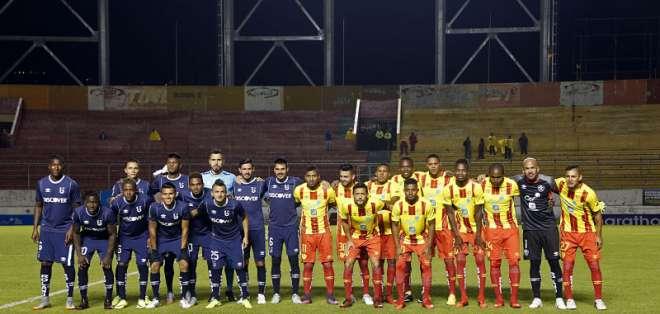 Ambos equipos se presentaron en la cancha del estadio Gonzalo Pozo Ripalda y esperaron el tiempo reglamentario. Foto: API
