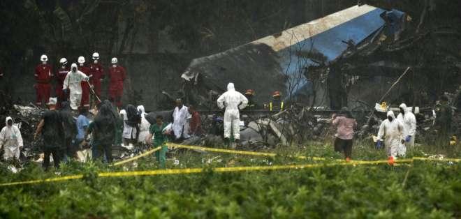Avión de Cubana de Aviación se estrelló tras despegar desde el aeropuerto internacional de La Habana. Foto: Archivo AP