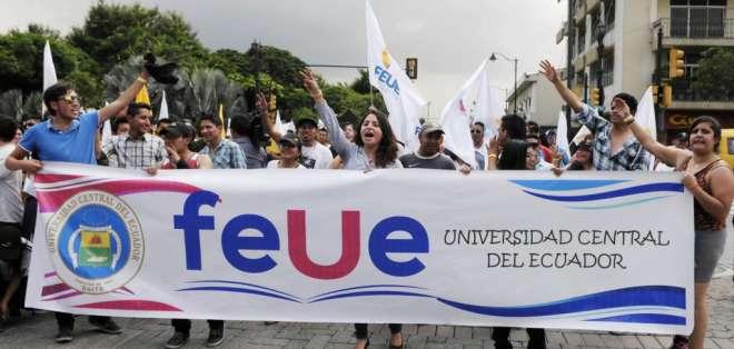 Se realizó un debate sobre varios aspectos que afectan Ecuador y del mundo. - Foto: archivo (referencial)