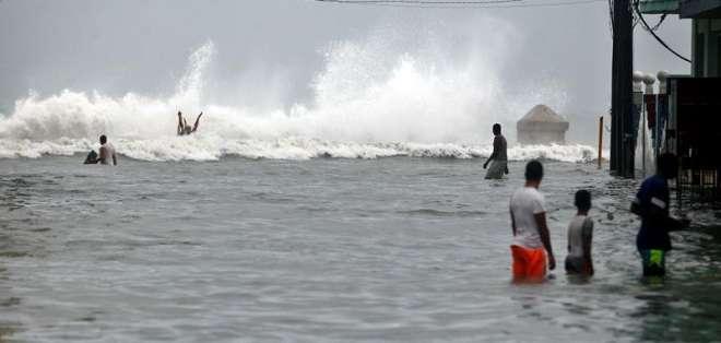 EEUU se prepara para el impacto de la tormenta 'Alberto'. Foto: Redes