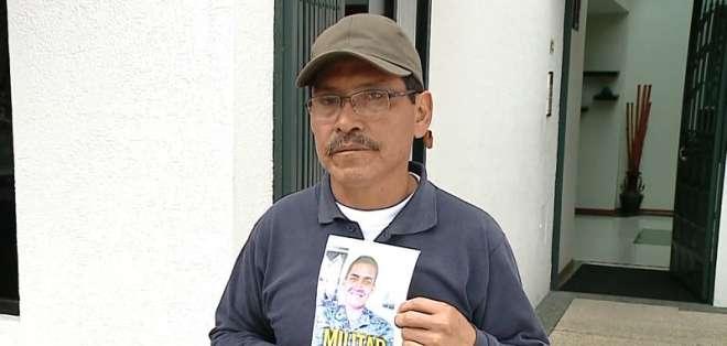 Néstor Ilaquiche pide que devuelvan a su hijo desaparecido en la frontera. Foto: Captura Video.