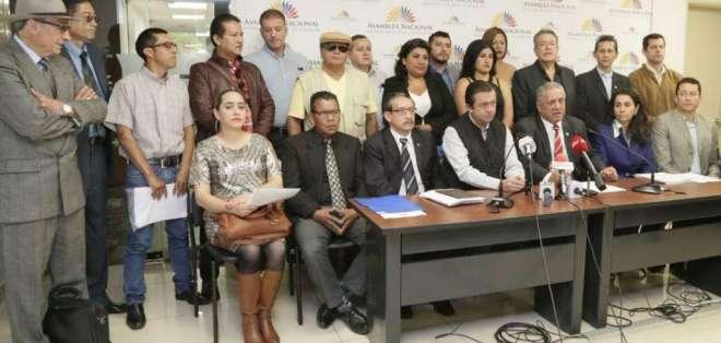 QUITO, Ecuador.- Asambleístas presentarán pedido de juicio; migrantes piden retirar postulación a ONU. Foto: Twitter Asamblea