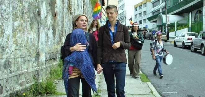 Dos niños serán registrados con apellidos de dos madres en Ecuador. Foto: Archivo Redes