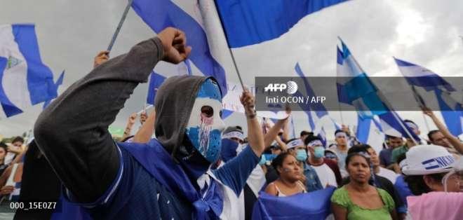 Unos 10 activistas integran una comisión que inició contactos con autoridades. Foto: AFP