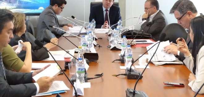 QUITO, Ecuador.- La Comisión de Desarrollo Económico estableció los tiempos de entrega de sus informes. Foto: Asamblea