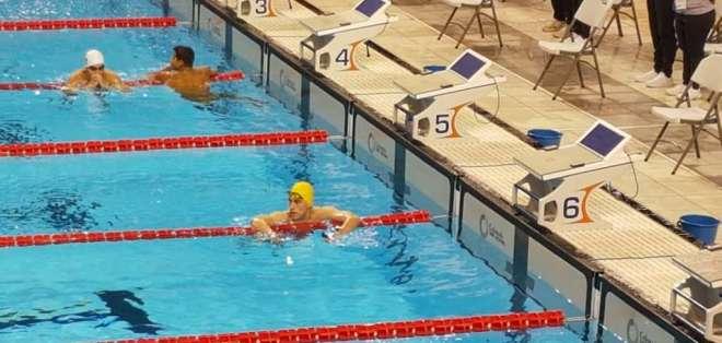 COCHABAMBA, Bolivia.- El cuencano Iván Enderica obtuvo la presea de oro en la prueba de 1500 metros estilo libre. Foto: COE