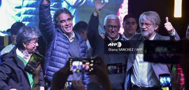 Fajardo quedó tercero de la primera vuelta con 23,73 % de los votos. Foto: AFP