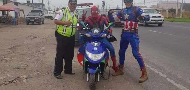 Spiderman y el Capitán América son tendencia por foto con la CTE. Foto: Redes