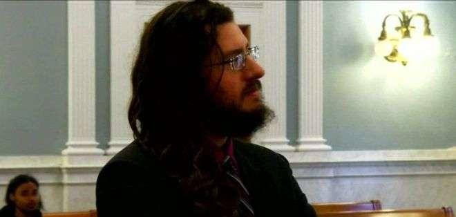 Michael Rotondo dijo que no veía por qué sus padres no podían simplemente esperar un poco a que deje la casa.