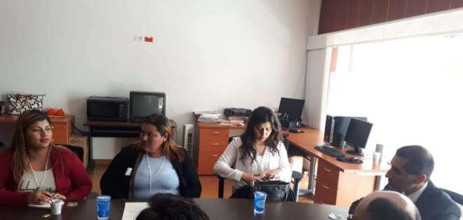 Elvia Villacís y Ana Velasco mantienen una agenda en Colombia para socializar el caso. Foto: Embajada de Ecuador en Colombia.