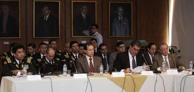 Ministros de Defensa e Interior acudieron a Comisión Ocasional de Asamblea. Foto: API