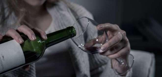 ¿Te has preguntado alguna vez si estás usando el alcohol como una estrategia para enfrentar los problemas en tu vida?