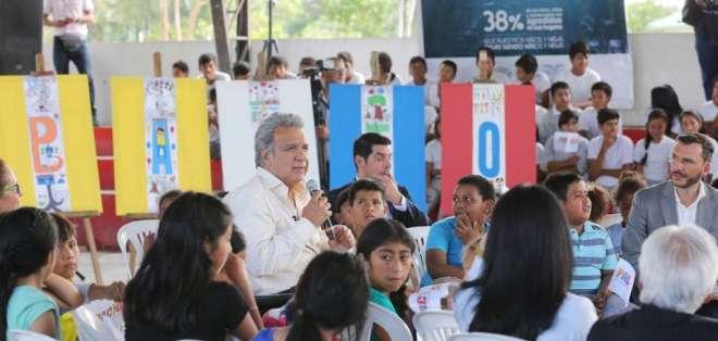 Mandatario presidió evento de sello de productos libres de trabajo infantil. Foto: Secom