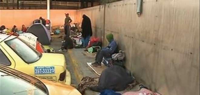 Venezolanos usan terminal de Carcelén como refugio en Quito. Foto: captura de video
