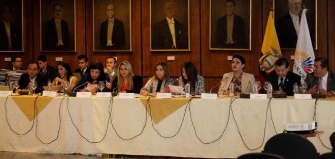 QUITO, Ecuador.- La reconsideración de votación en Comisión de Fiscalización no alcanzó votos necesarios. Foto: API