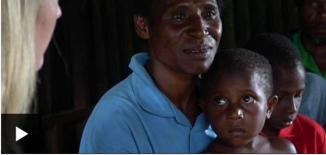 """Las extendidas y violentas cazas de brujas o """"sangumas"""" en la isla de Papúa Nueva Guinea"""
