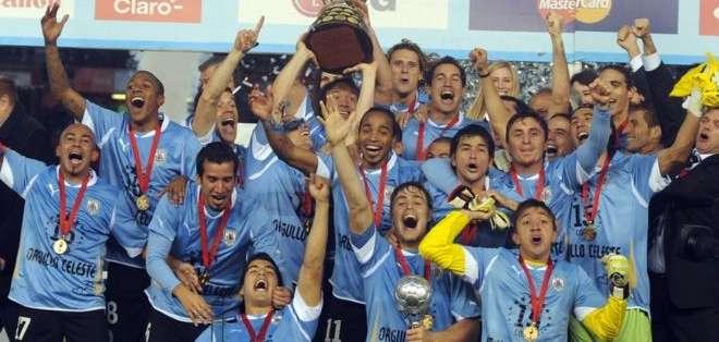 La 15° victoria en la Copa América 2011 puso a Uruguay por encima de Argentina en la cantidad de trofeos continentales.