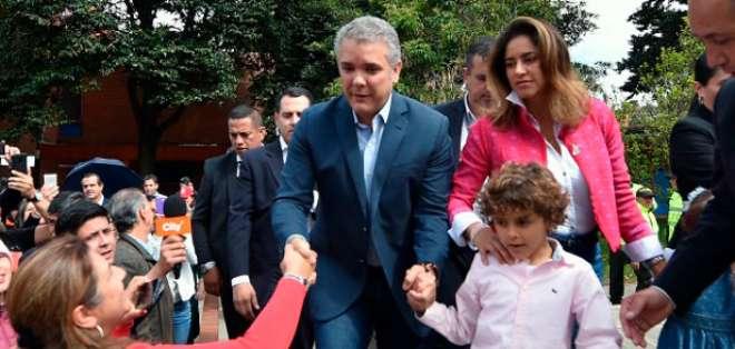 Con el 54,07% de los votos, el exsenador de 41 años venció por amplio margen al exguerrillero Gustavo Petro (41,72%). Foto: AFP