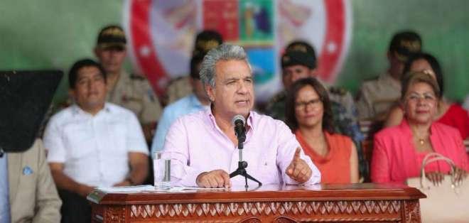 ESMERALDAS, Ecuador.- Moreno durante su discurso en acto militar. Foto: Twitter Presidencia.