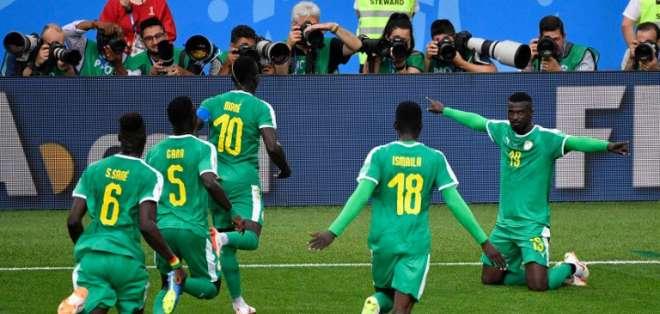 Los africanos superaron 2-1 a los europeos en el estadio del Spartak en Moscú. Foto: ALEXANDER NEMENOV / AFP