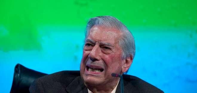 """ESPAÑA.- El premio Nobel de Literatura sufrió """"un dolor intenso en la zona del glúteo y cadera izquierda"""". Foto: AP"""