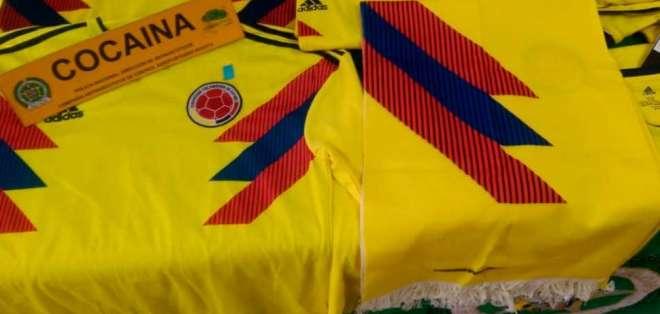 Las camisetas fueron decomisadas en el aeropuerto de Bogotá. Foto: Noticias Caracol