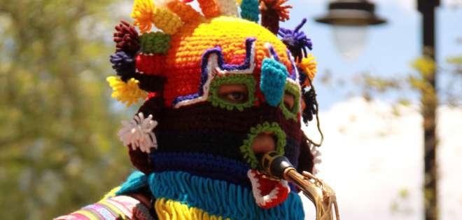 Las ofrendas, bailes y ritualidad muestran el sincretismo de la andina y occidental. Foto: Mintur